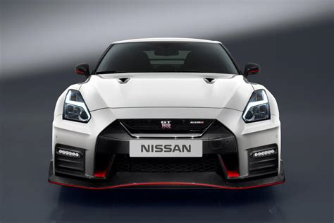 Nissan Gtr Nismo The 2017 Nissan Gt R Nismo Is A 600 Horsepower Supercar Slayer