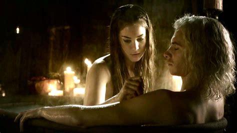 game of thrones bathtub the incredible tub scene viserys targaryen pinterest