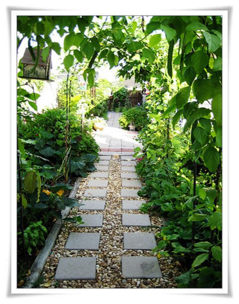 Landscape Rock New Orleans Side Yard Garden Path Eclectic Landscape New Orleans