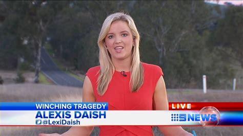 fox news female reporter wardrobe malfunctions female reporter wardrobe malfunctions bing images