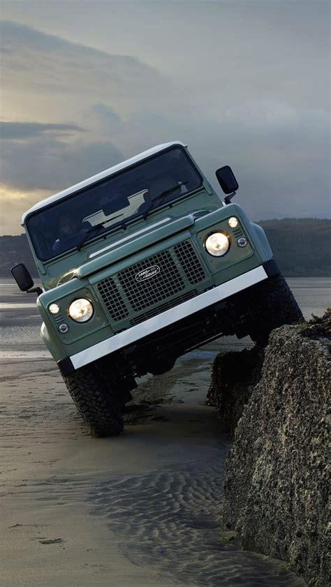 land rover wallpaper iphone 6 make your desktop or mobile ruggedly handsome with these
