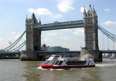 thames river cruise london bridge boat trip from london eye to tower of london or greenwich
