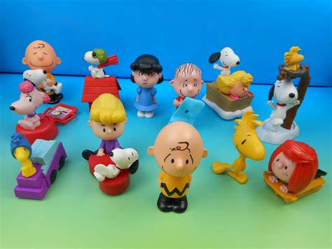 Happy Meal Snoopy Peanut Periode I 2015 the peanuts set of 12 mcdonald s happy meal