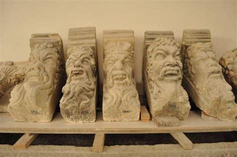mensole in pietra mensole in pietra leccese antiquariato su anticoantico
