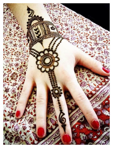 lovely work using henna designs by uk artist humna mustafa 25 simple easy and beautiful mehndi designs for hands 2017