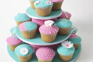 cupcakes and love cupcakes check out these fondant covered buttercream cupcakes by mouths of mums