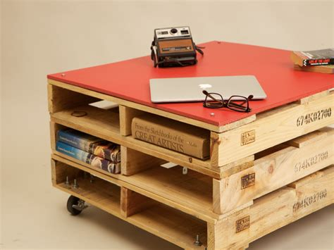 Shipping Pallet Coffee Table Studio Levant Uses Recycled Pallets And Hdpe Plastics To Make Desks And Tables Studio Levant