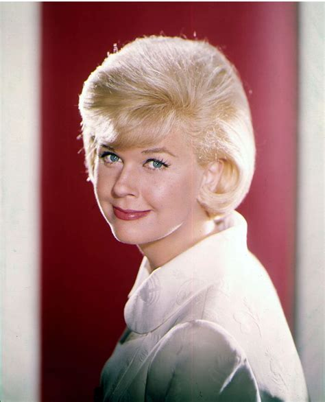 doris day glamour 17 best images about doris day on pinterest howard keel
