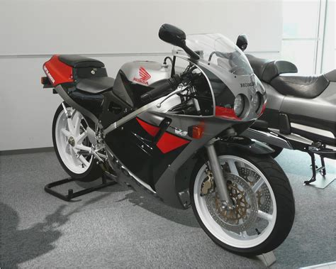 honda vfr 400 vfr 400 repsol motorcycles catalog with specifications