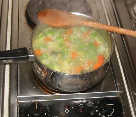 Superb Split Pea Soup Recipe #5: Recipe_split_pea_ham_soup_4_large.jpg