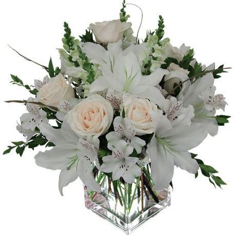 composizioni vasi fiori bianchi in vasi di vetro