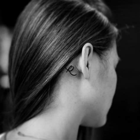 55 des meilleures id 233 es tatouage oreille et sa signification