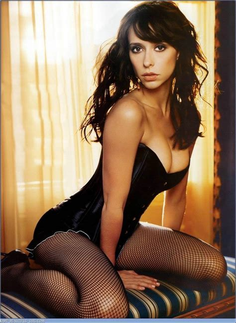 Why the phuck hasn't anyone married 9/10 Jennifer Love Hewitt? (srs)(semi rage) Bodybuilding