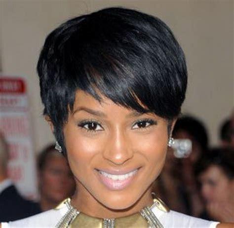 coupe de cheveux court afro