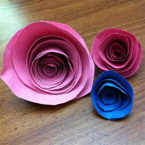 How To Make Roses Out Of Construction Paper - 1000 images about paper flowers on