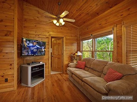 10 bedroom cabins in gatlinburg gatlinburg cabin viewtopia 2 bedroom sleeps 10