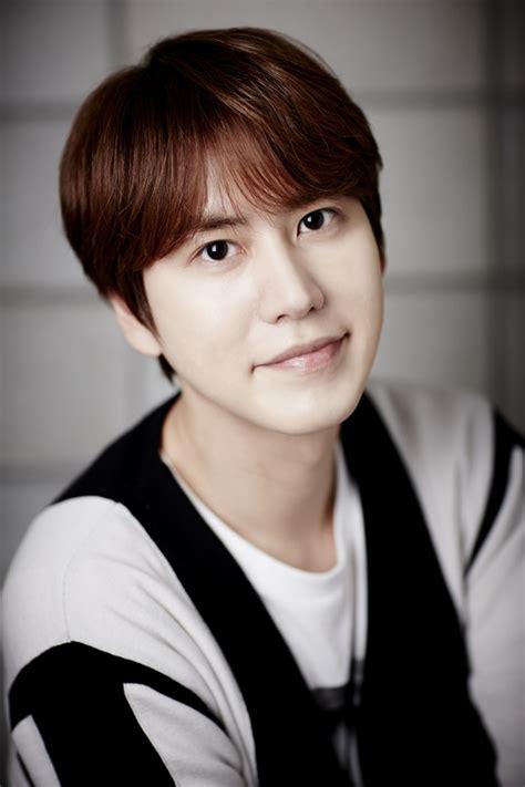 Junior Kyuhyun Waiting Still 160513 kstyle news web update with kyuhyun 규 s