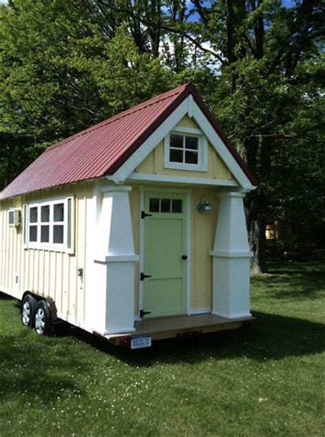 cottage on wheels tiny cottage on wheels for 29k tiny house pins