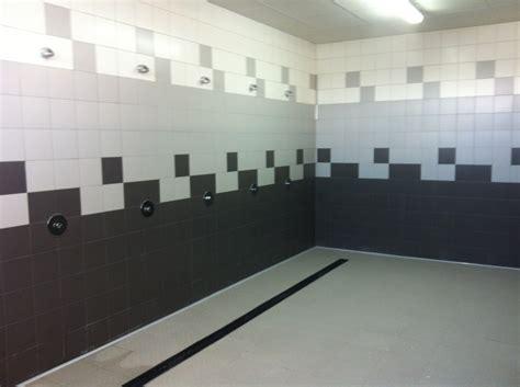 orgia en las duchas del vuestuario del barracon militar duchas de futbolistas en el vestuario de hombres youtube