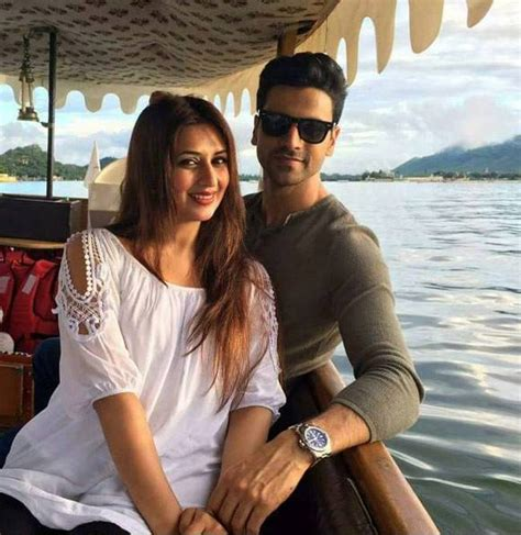 vivek dahiya earnings divyanka tripathi vivek dahiya s mini honeymoon in