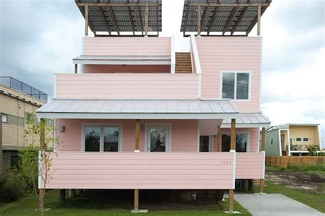 sustainable homes for katrina victims from brad pitt brad pitt unveils house designed by frank gehry for