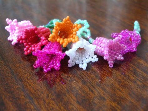free patterns and instruction on making flower hair clips best 25 beaded flowers patterns ideas on pinterest seed
