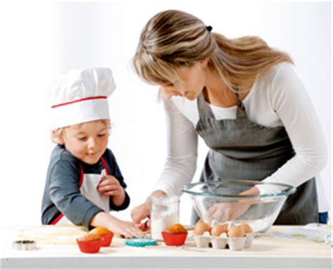 cuisiner avec enfant cuisiner avec ses enfants meilleures id 233 es de d 233 coration