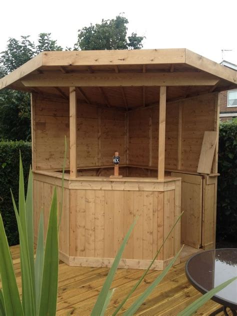 large deluxe ft corner garden bar entertaining pub area