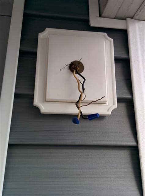 Mounting Outdoor Lights To Siding New House Siding How Do I Install Outdoor Lights On This Bracket Doityourself Community