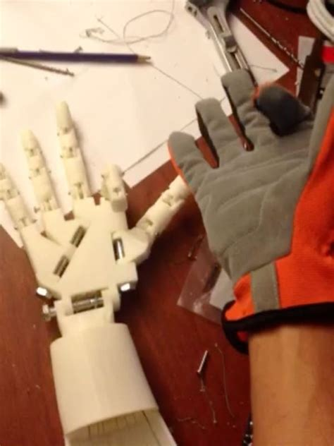 tutorial arduino robotic hand diy robotic hand controlled by a glove and arduino use