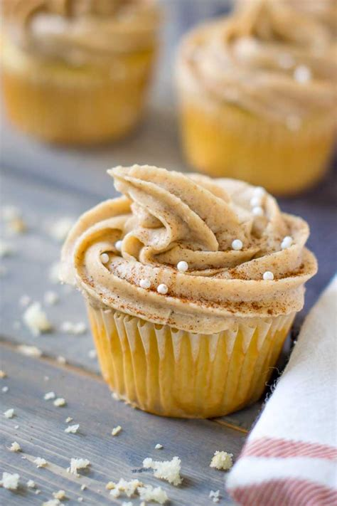 maple frosting maple snickerdoodle cupcakes with homemade maple frosting