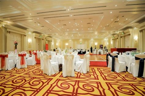 london marriott hotel regents park christmas party venue