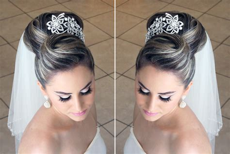 how to do a bun with a decorative comb how to create a bun with decorative dry wave swirlsbella s