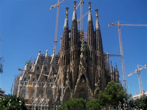 File:Fachada del Nacimiento   Templo de la Sagrada Família