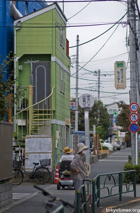tiny japanese apartment absolutely tiny japanese apartment tokyo times