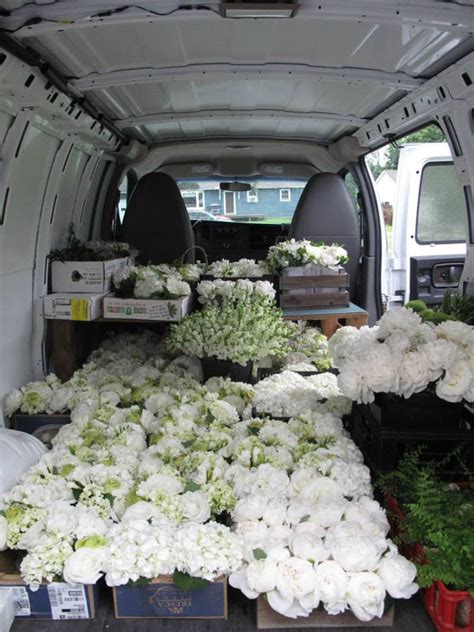 How To Transport A by Transporting Flowers Flirty Fleurs The Florist