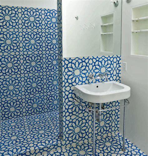 40 blue ceramic bathroom tile ideas and pictures turquoise 40 blue ceramic bathroom tile ideas and pictures