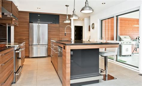 armoires de cuisine usag馥s armoire de cuisine en bois usage a vendre