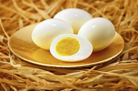how to boil an egg la times