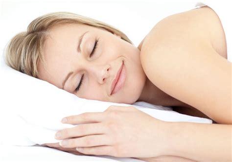 almohadas buenas para dormir una buena almohada para combatir el dolor cervical dormitia