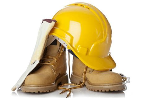 The Best Work Boots To Keep Construction Workers Back Pain