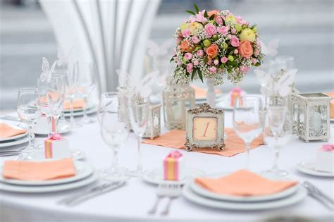 Home Decoration Tips by What To Display On Wedding Table Decoration To Look