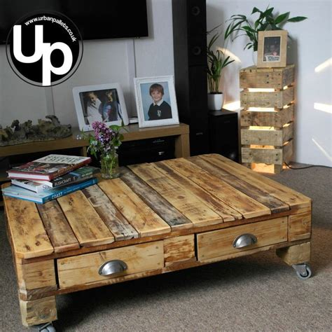 pallet coffee table best 25 pallet coffee tables ideas on paint wood design whit