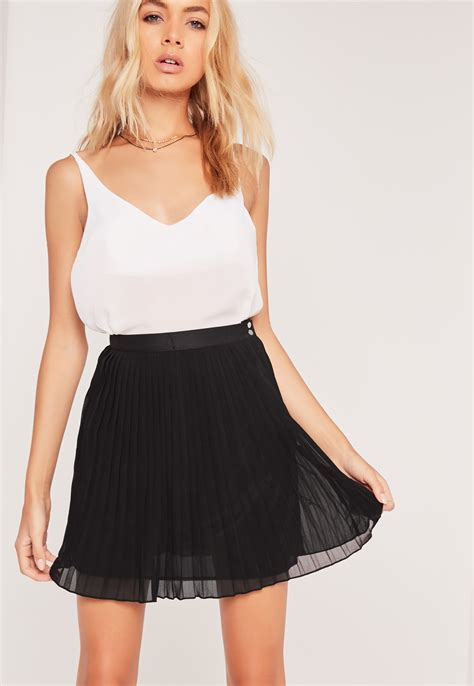 Pleated Chiffon Mini Skirt missguided pleated chiffon mini skirt black in black