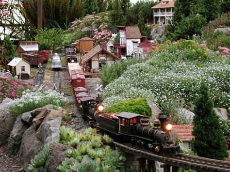 Garden Railroad by 25 Best Ideas About Garden Railroad On Model