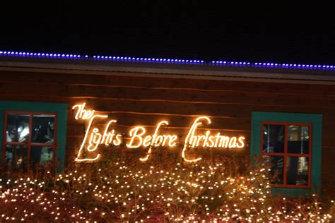 Watch Jonah And Jacoby Grow Lights Before Christmas At Lights At The Toledo Zoo