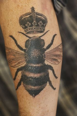 tattoo of queen bee bee tattoos designs ideas and meaning tattoos for you