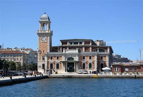 La Di Trieste by Civico Acquario Marino Di Trieste