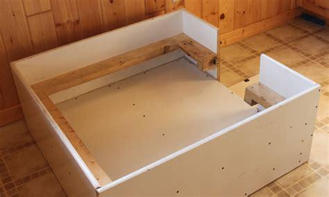 whelping box whelping box