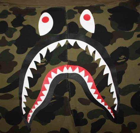 kaos bape camo shark bape green camo shark shorts dopestudent